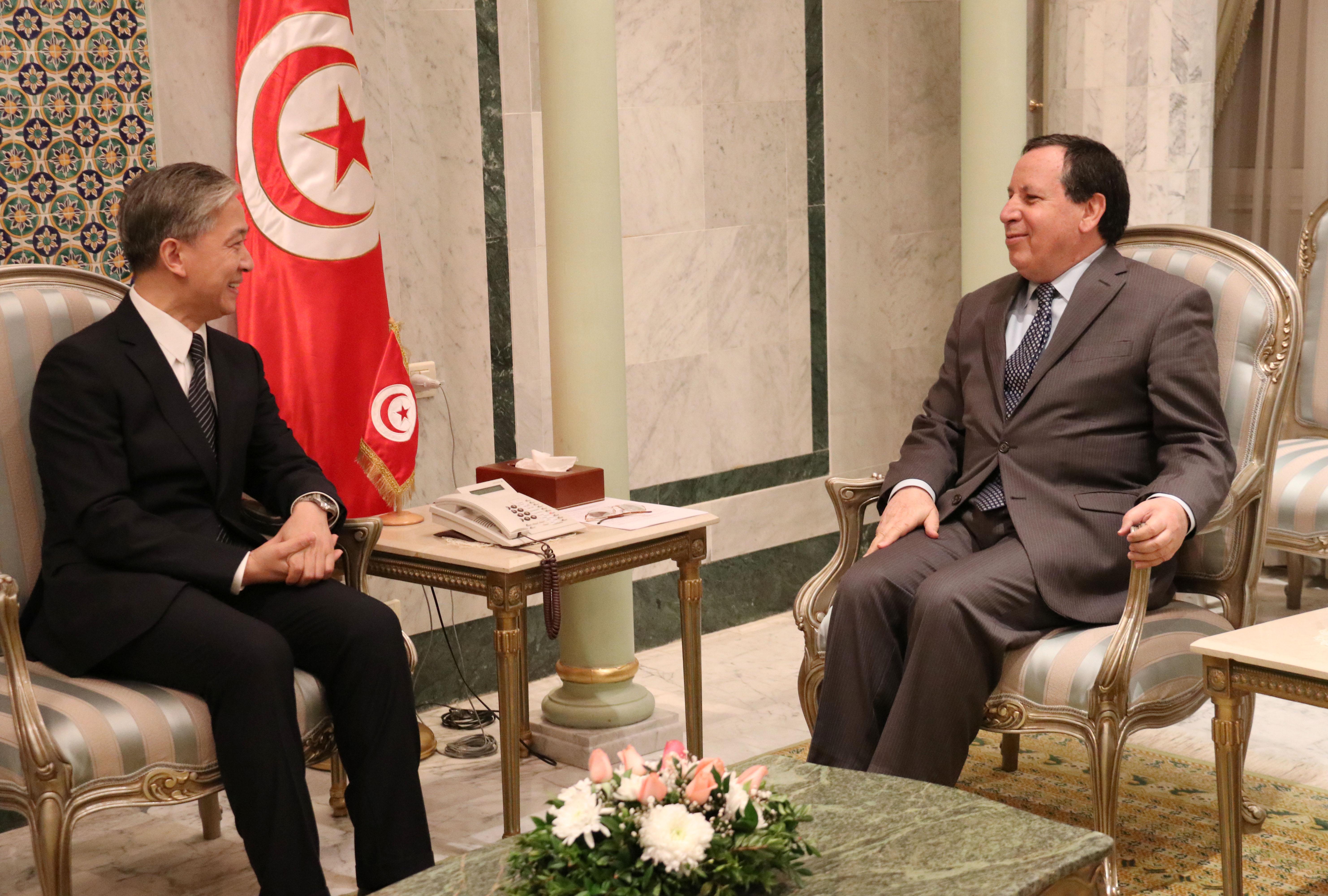 في محادثة بين وزير الخارجية وسفير الصين بتونس: تأكيد عزم البلدين على الارتقاء بالتعاون الثنائي ودفع الاستثمارات الصينية: