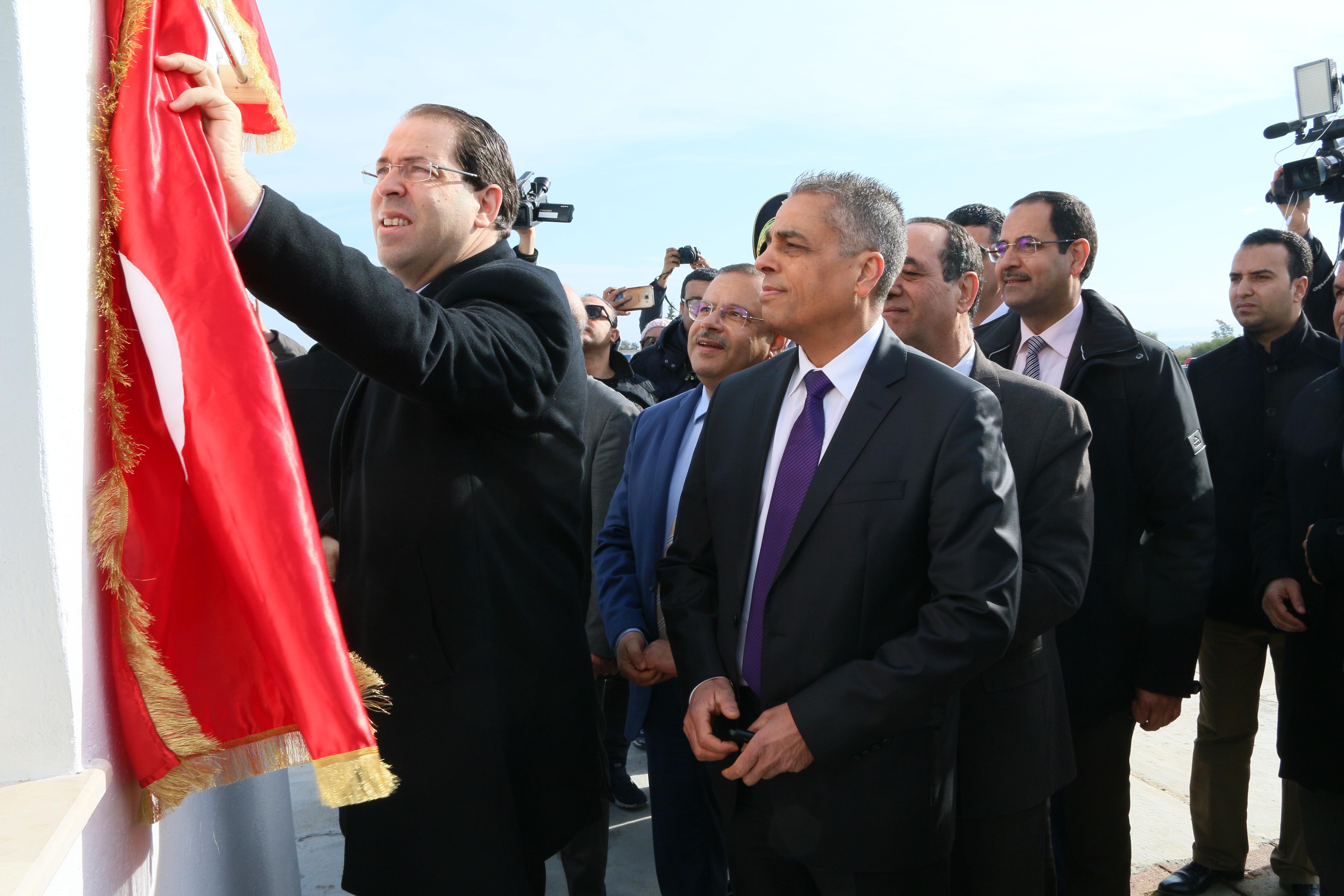 يوسف الشاهد يعطي اشارة انطلاق مشروع تدعيم طاقة انتاج المياه بتونس الكبرى و مشروع محطة مياه الرجيع: