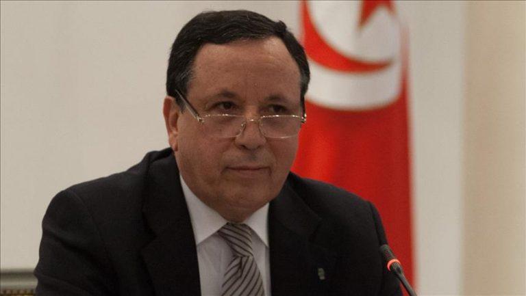 في إطار المساعي التونسية لوقف إطلاق النار في ليبيا وزير الخارجية يجري اتصالا هاتفيا مع المشير خليفة حفتر: