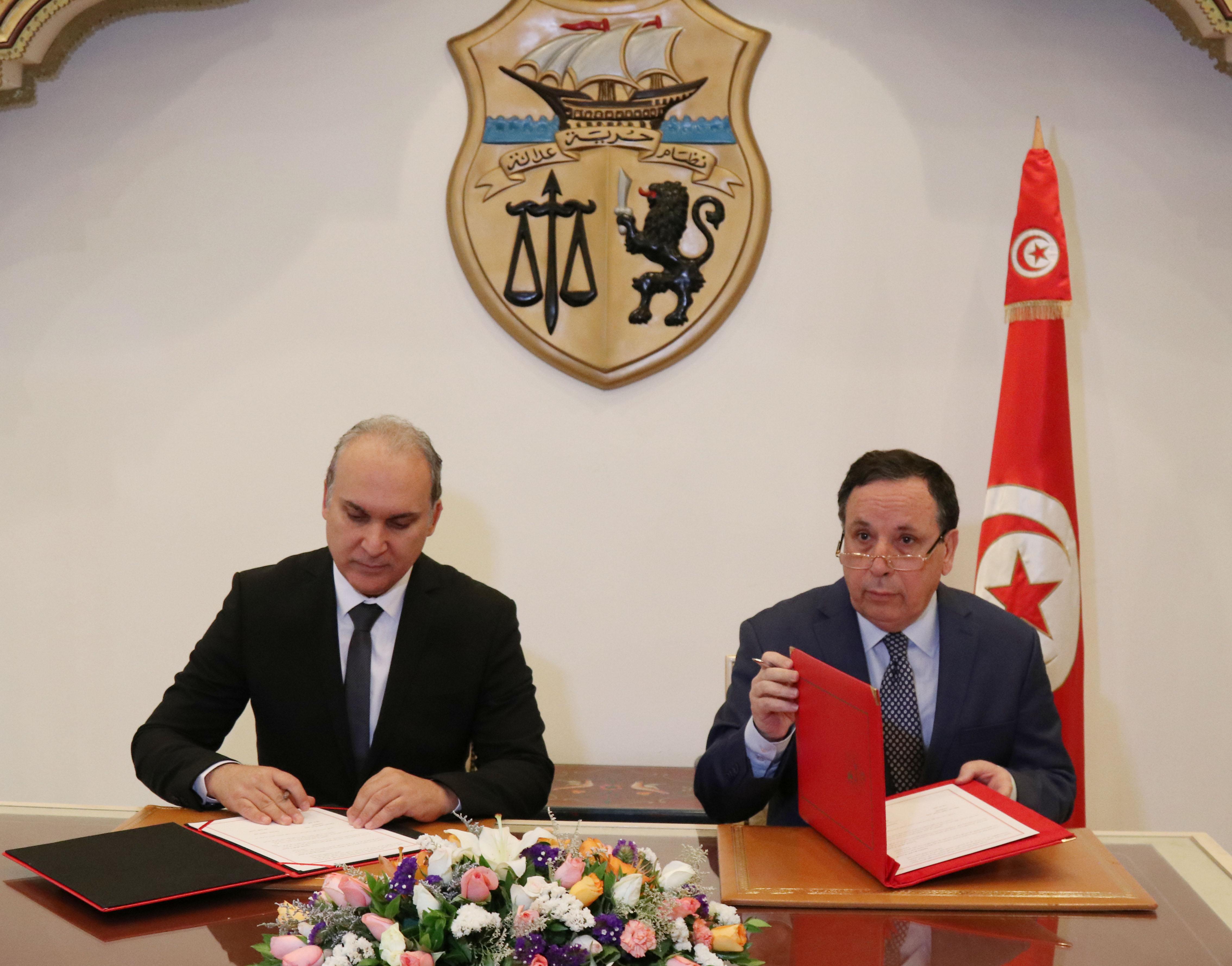 التوقيع على مذكرة تفاهم بين وزارة الشؤون الخارجية والهيئة العليا المستقلة للإنتخابات: