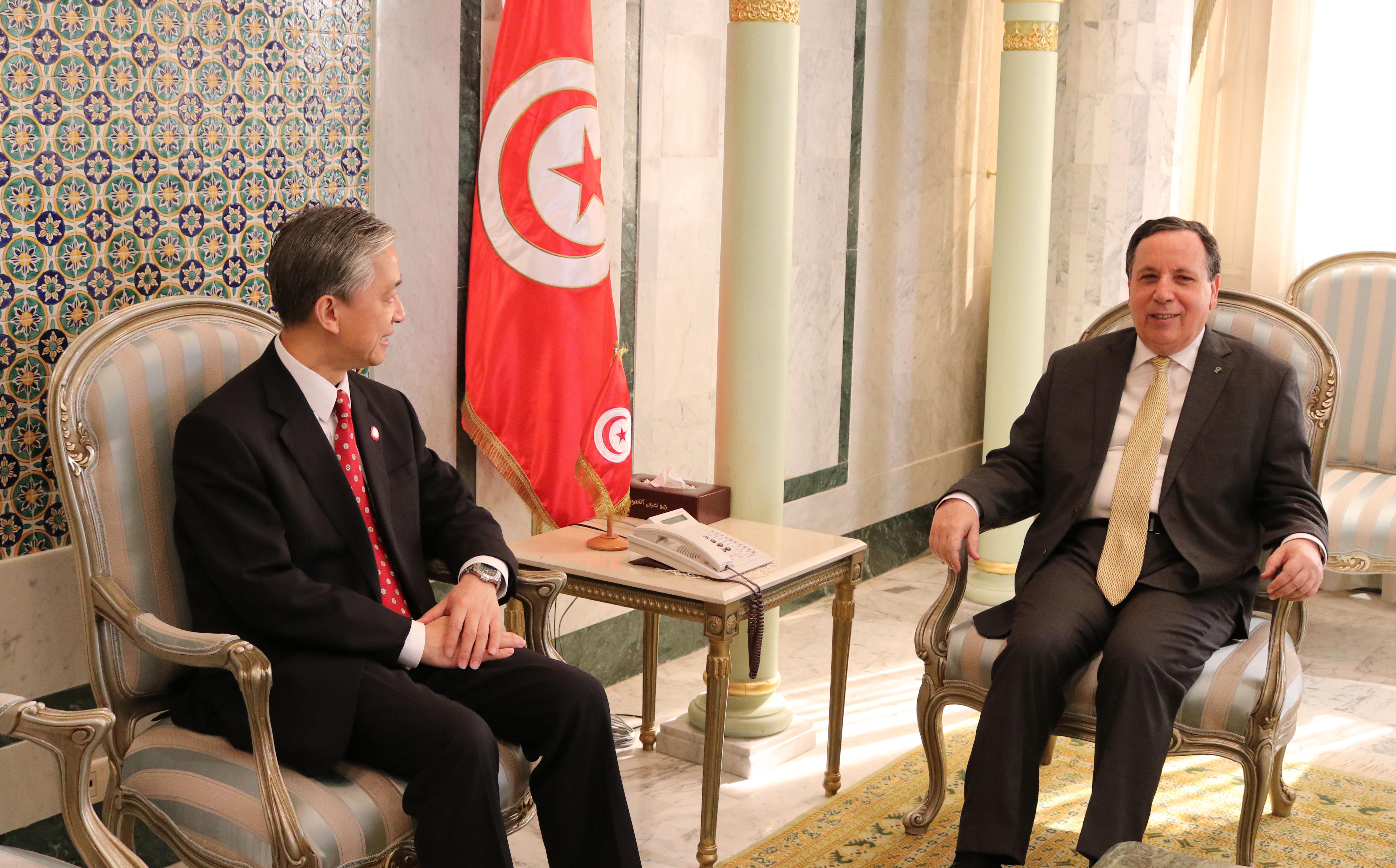 وزير الشؤون الخارجية يستقبل سفير الصين بتونس: