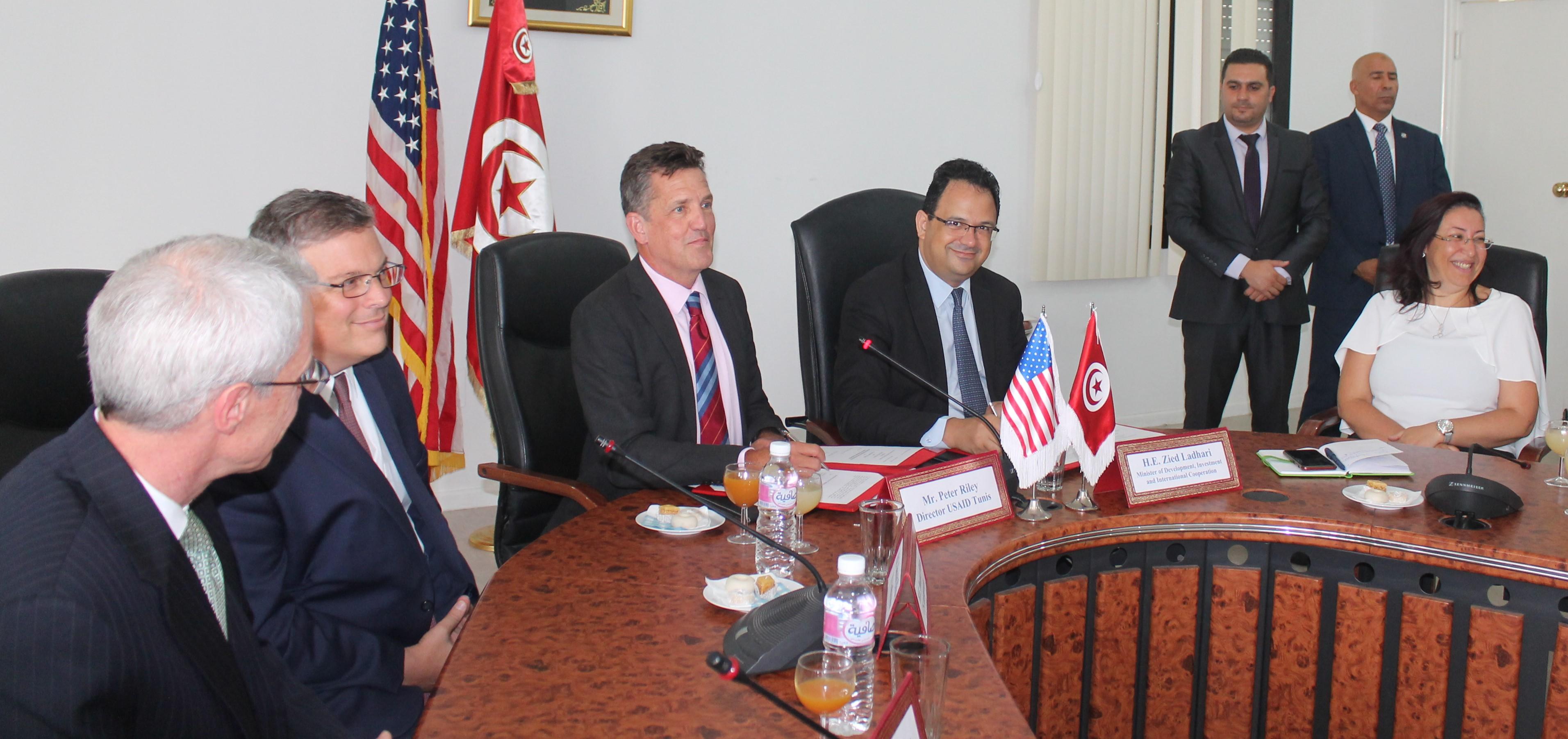 1000 مليون دينار هبة من الولايات المتحدة الأمريكية لدعم المبادرة الخاصة ومسار الانتقال الديمقراطي في تونس: