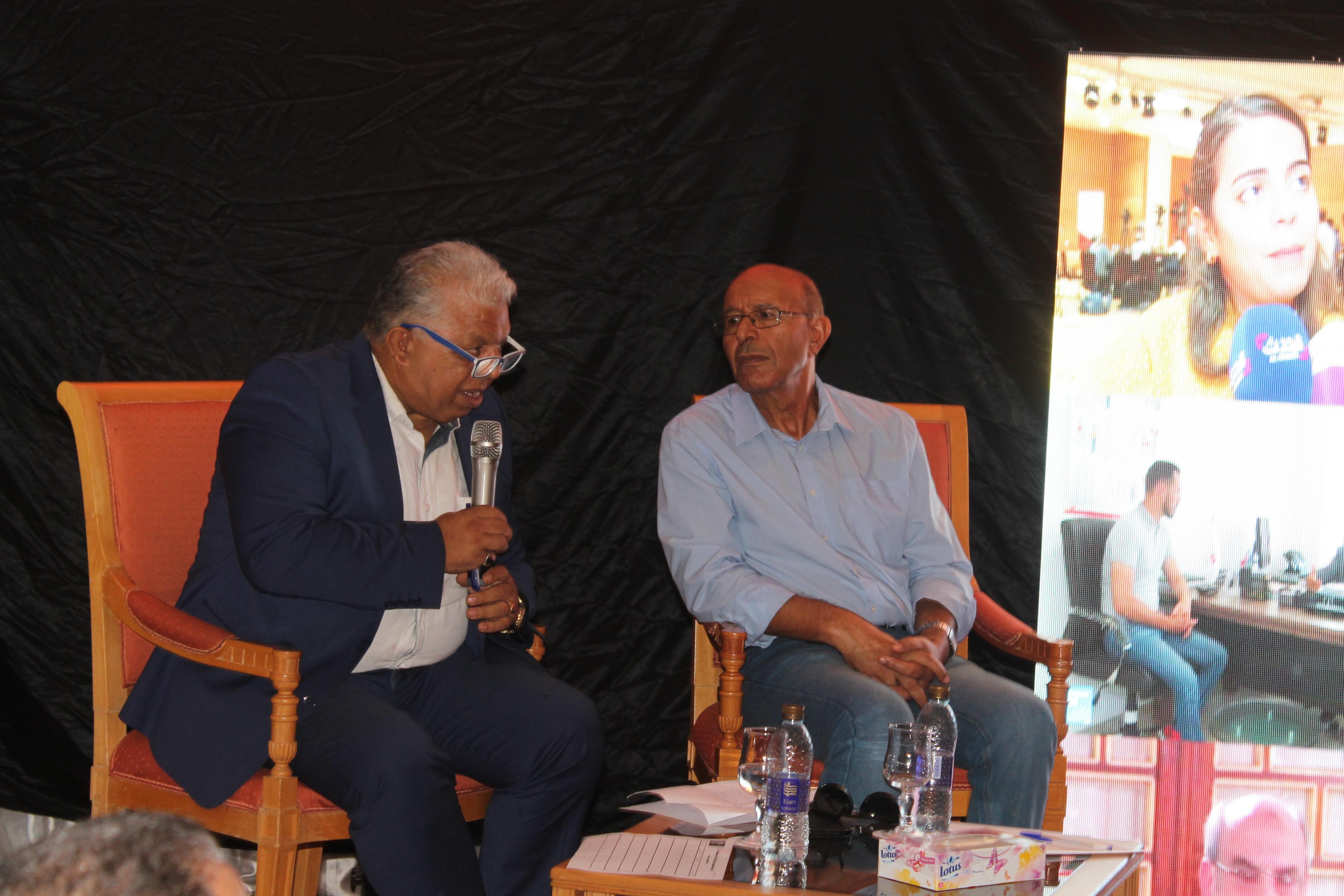 في حلقة نقاش سياسيّة:من يسعى إلى تشتيت أصوات التونسيين ؟ :