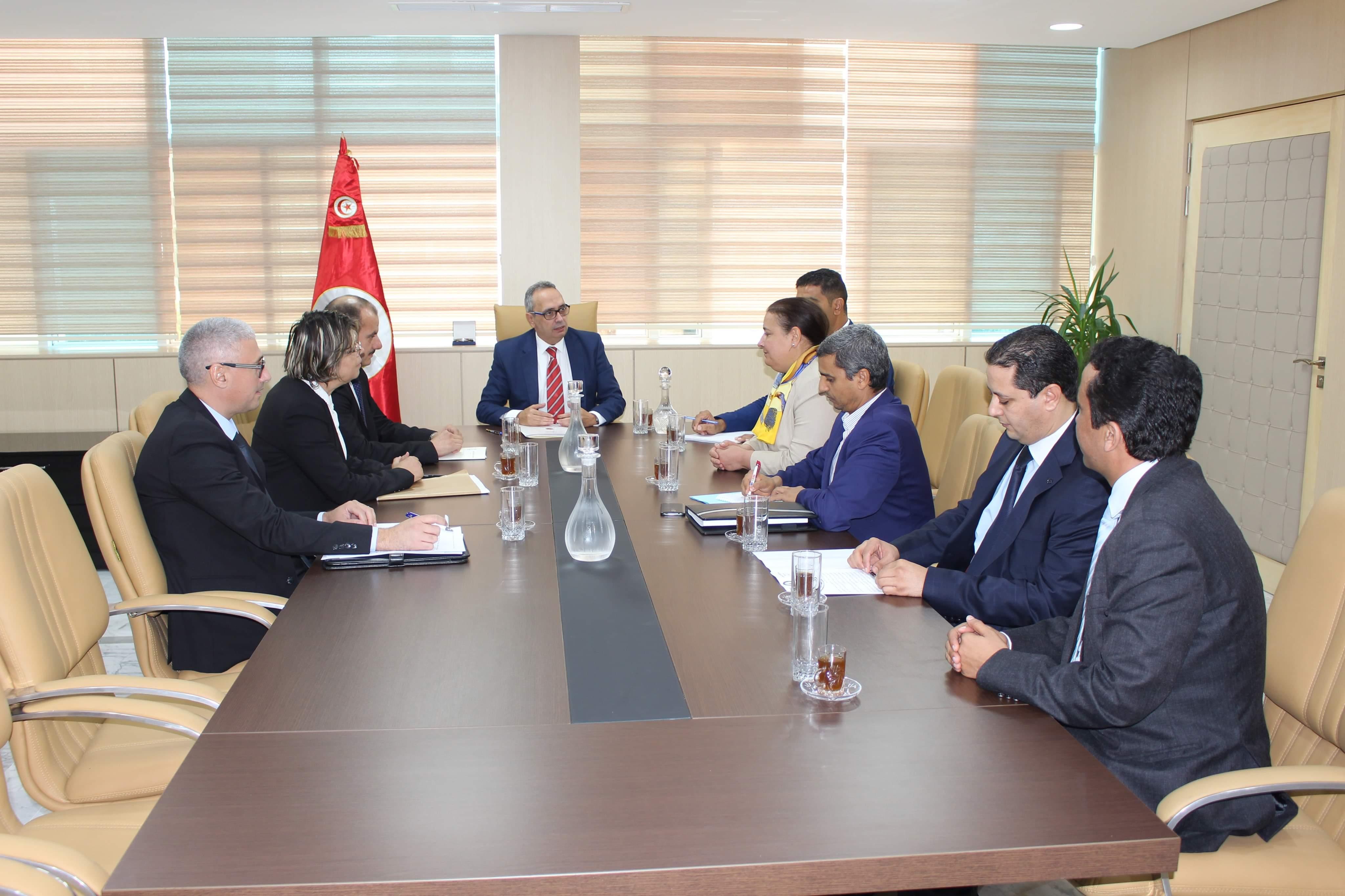 وزير العدل يلتقي كل من رئيس جمعية القضاة التونسيين ورئيسة مجلس إدارة تعاونية القضاة: