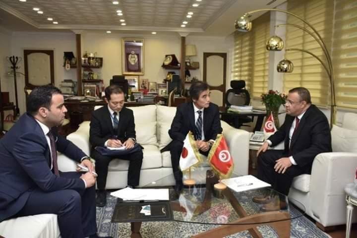جلسات عمل مع عدد من السفراء لترويج زيت الزيتون التونسي في الأسواق العالمية الناشئة:
