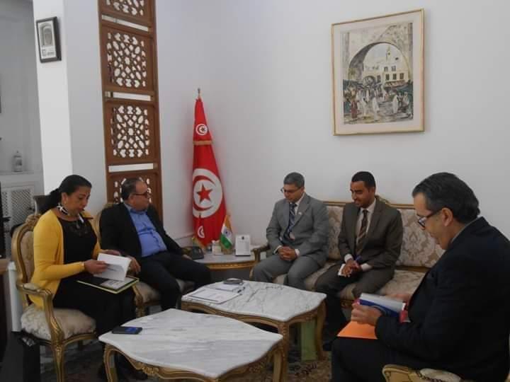 وزير الشؤون الإجتماعية يلتقي سفير الهند بتونس: