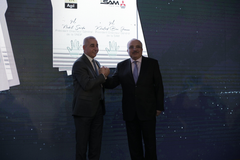 """""""عجيل"""" تعقد شراكة مع شركة """"سام""""الممثل الرسمي لعلامة""""MITUBISHI"""" بحضور سفير اليابان بتونس:"""