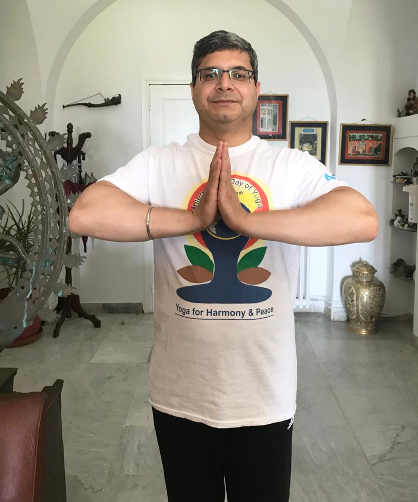 """بمناسبة اليوم العالمي لليوقا:سفير الهند بتونس يكتب مقالا بعنوان""""اليوقا: هبة الهند للإنسانيّة"""":"""