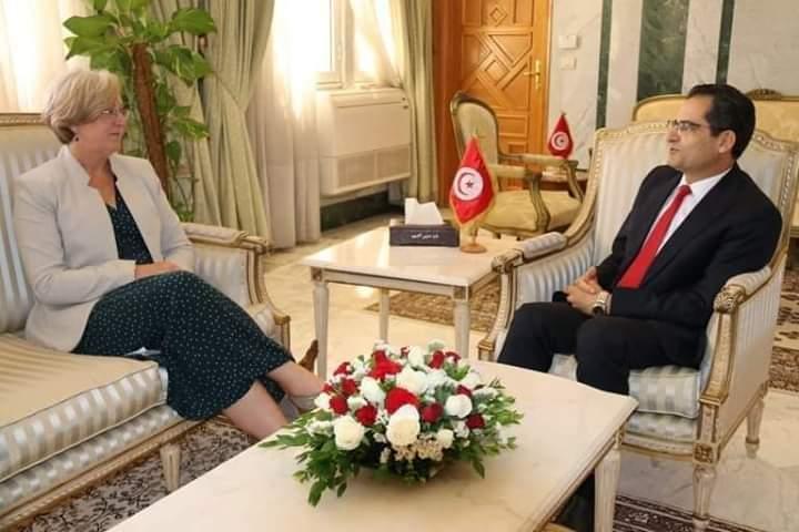 وزير الشؤون الخارجية يلتقي سفيرة بريطانيا في تونس: