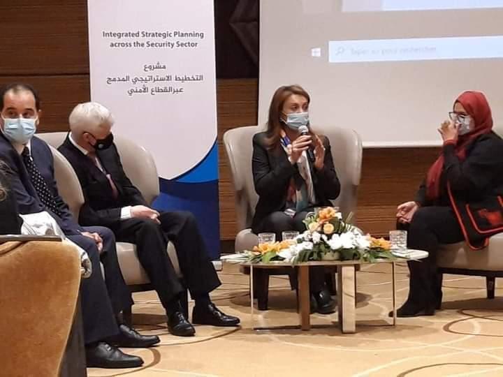 رئيسة بلدية تونس تشرف على اختتام الملتقى التدريبي حول التخطيط الإستراتيجي المدمج عبر القطاع الأمني و إدارة الأزمات و الممول من السفارة البريطانية: