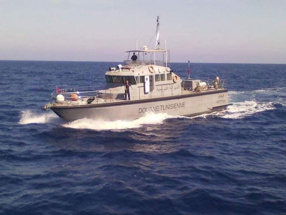 الفرقة البحرية للديوانة بالمهدية تحجز كمية من المشروبات الكحولية وطائرة دون طيار  مهربة مخفية داخل غرفة المحركات ليخت أجنبي:
