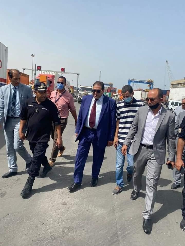"""السيد """"يوسف الزواغي"""" المدير العام للدّيوانة يتفقد سير عمل مصالح الديوانة بميناء رادس:"""