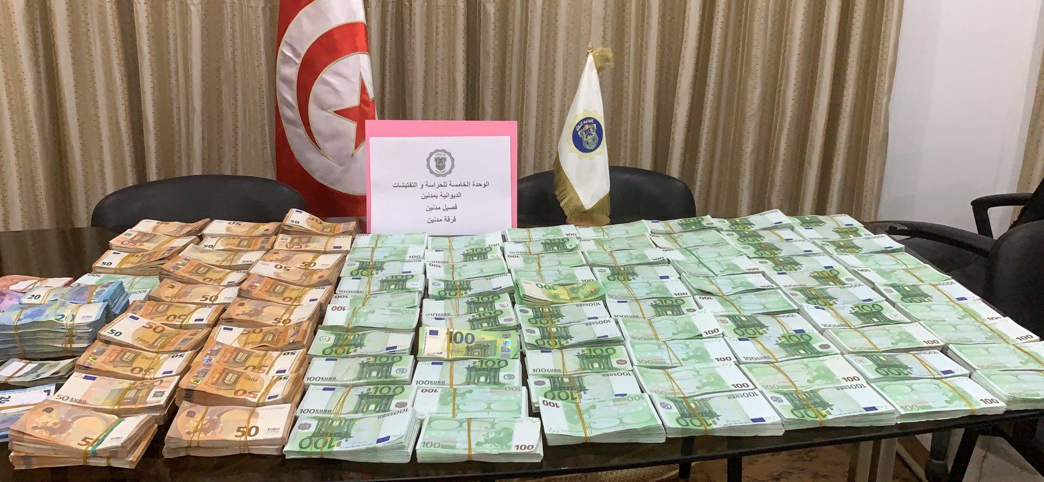 فرقة الحرس الديواني بمدنين تحبط محاولة تهريب مبلغ من العملة الأجنبية يناهز 1 مليون أورو: